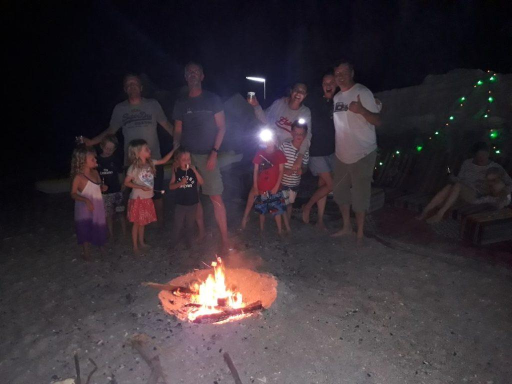 Campeggio in spiaggia di notte Khasab Musandam Crociere-20