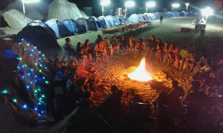 Campeggio in spiaggia di notte Khasab Musandam Crociere-25